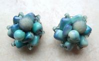 Vintage Raised Marbled Blue Bead Cluster Clip On Earrings.